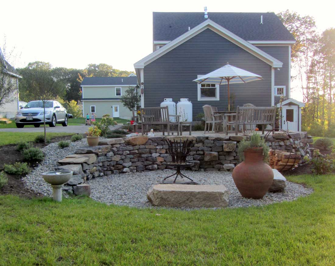 Natural stone retaining wall in Cape Elizabeth